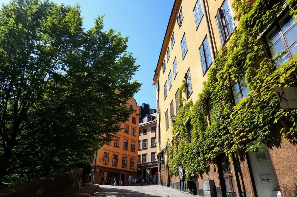 Colourful Houses & Narrow Streets of Gamla Stan, Stockholm 9