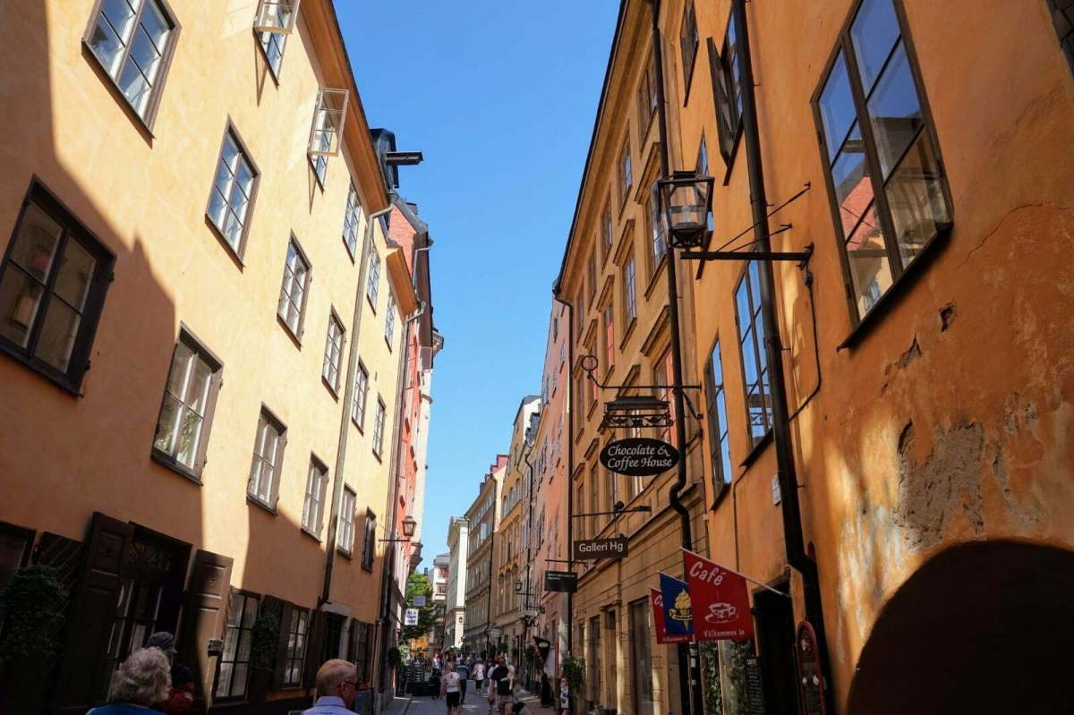 Colourful Houses & Narrow Streets of Gamla Stan, Stockholm 10