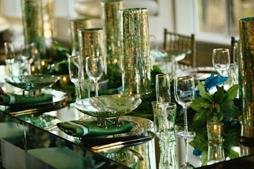 Aqua And Chartreuse Sparkle Holiday Table Ideas