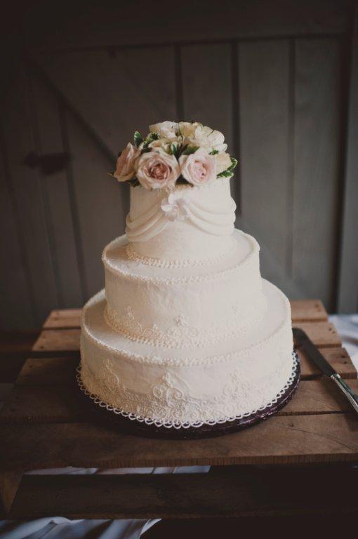 Classic Simple Elegant White Wedding Cake Elizabeth Anne