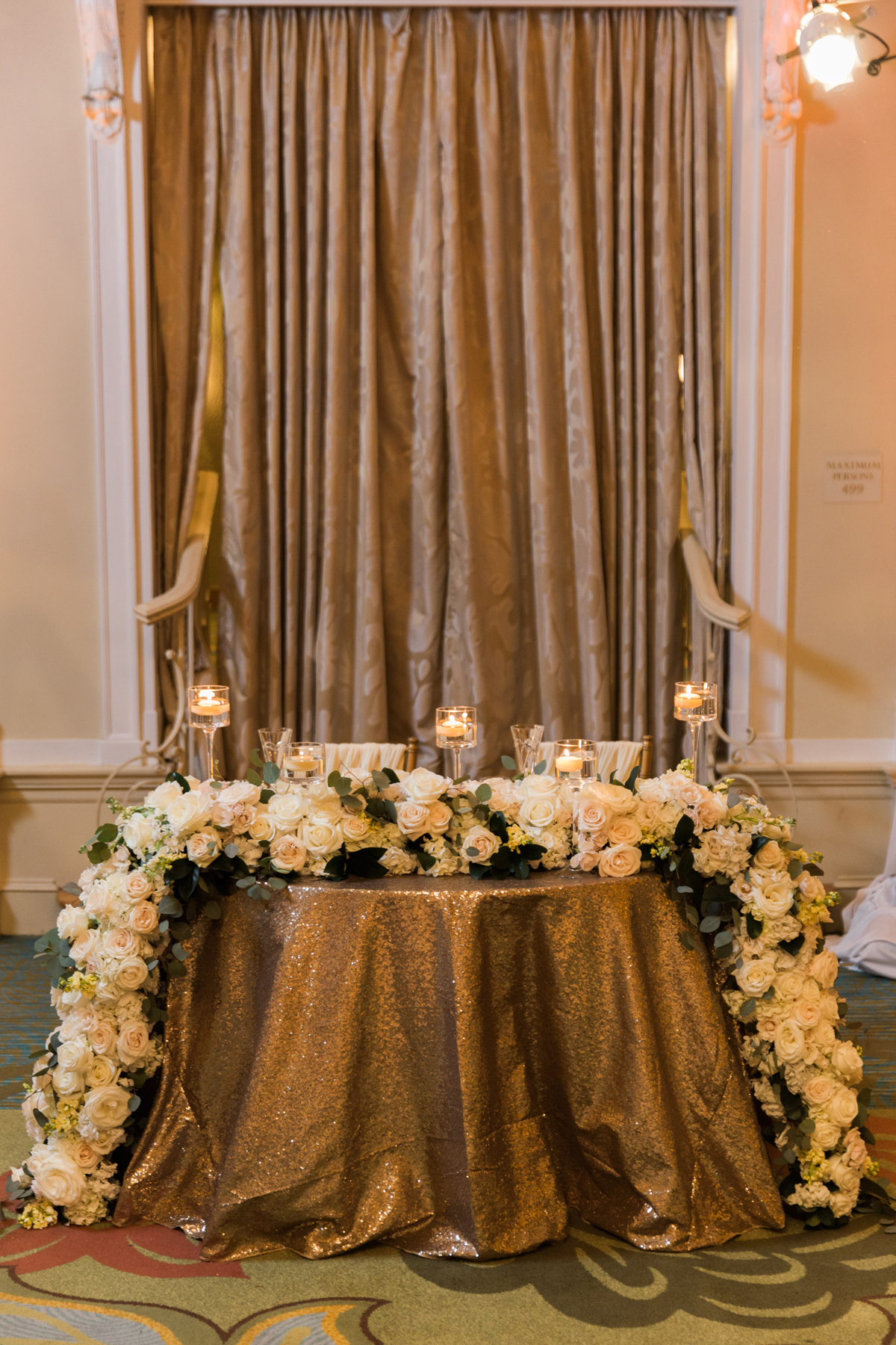 Sweetheart Table With Garland Centerpiece Elizabeth Anne