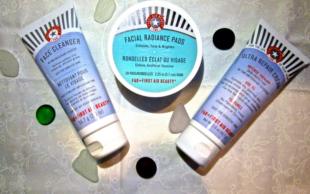 "First Aid Beauty ""FAB Faves To Go"" Kit"