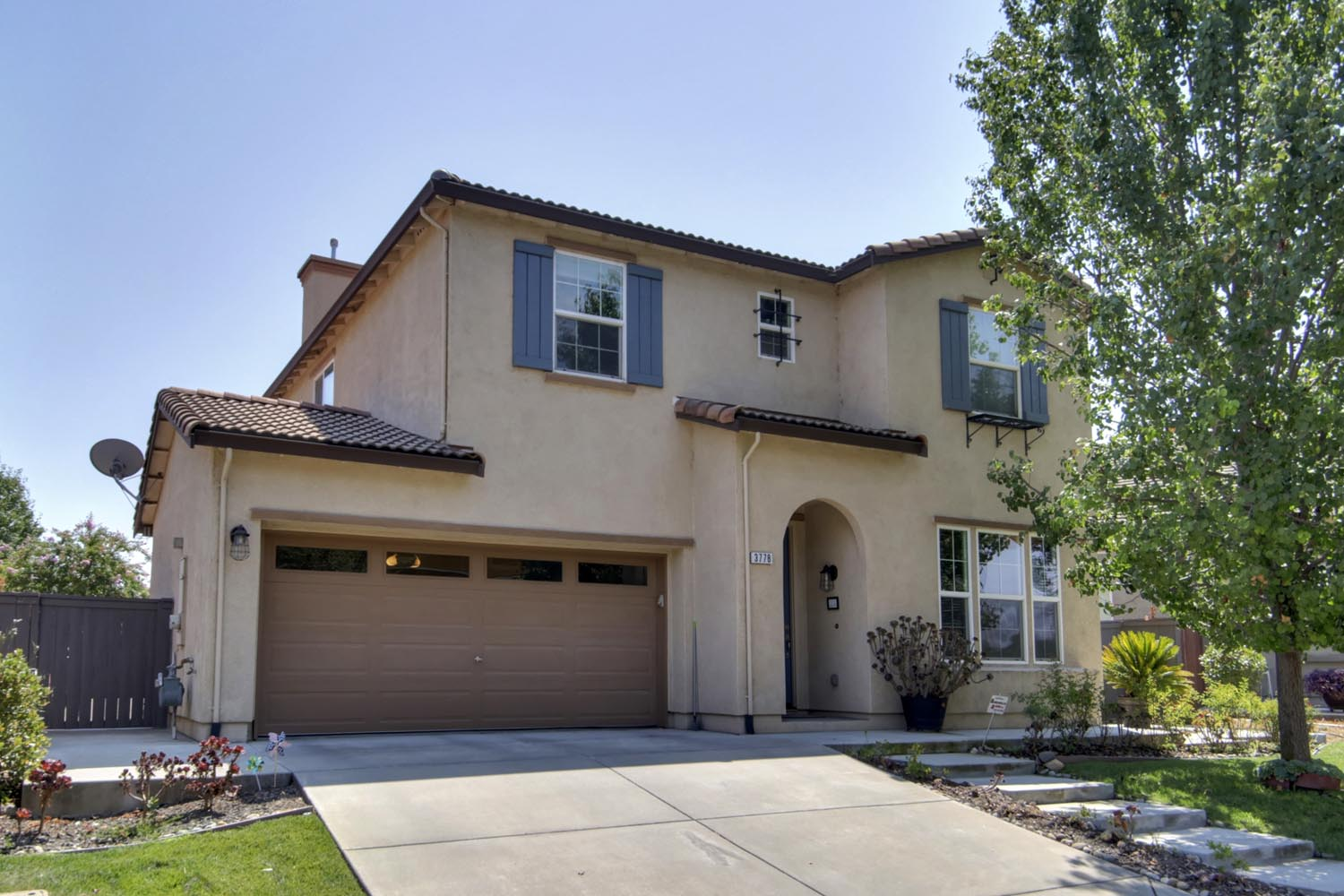 Newer Home in Willow Creek Natomas Open Sunday!