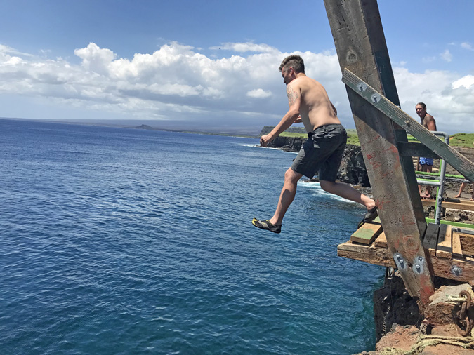 cliff jumping at south point hawaii