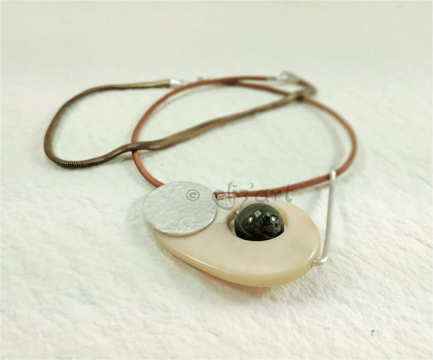 Art jewelry, silver, jade and tagua (vegetal ivory) by Eliz'art