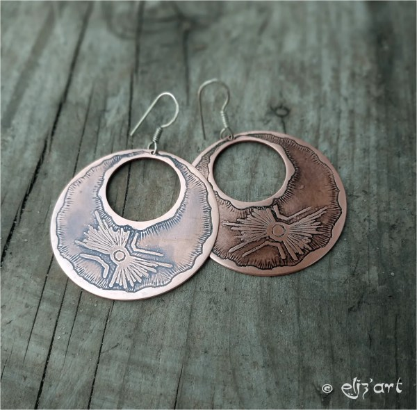 Boho earrings made in etched copper by Eliz'art