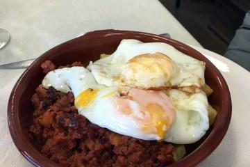 Picadillo con huevos