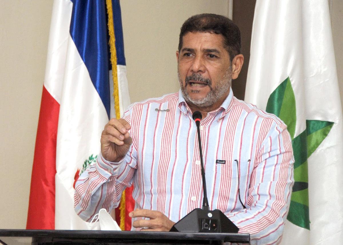 El ministro de Agricultura, Limber Cruz