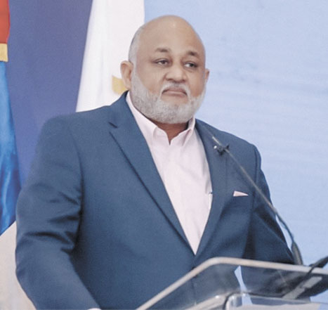 ❏ Ministro de Educación, Roberto Fulcar, ha asumido con optimismo el gran reto que significa iniciar el año escolar a distancia.