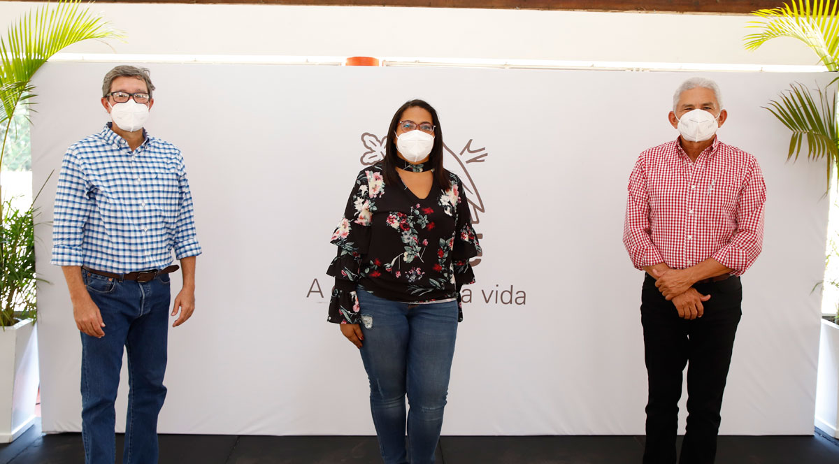 Yamil Espinal, Odalis Paulino y Román Rivas