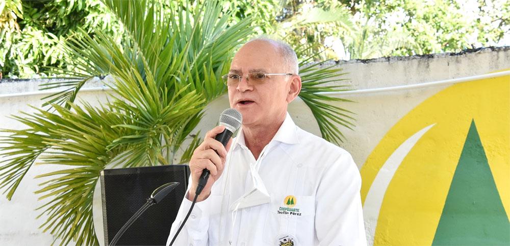 Dr. Teófilo Pérez, Presidente del Consejo Administrativo de la CoopDuarte.