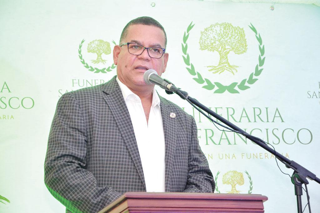 Rafelin Casado, Presidente de Funeraria San Francisco.