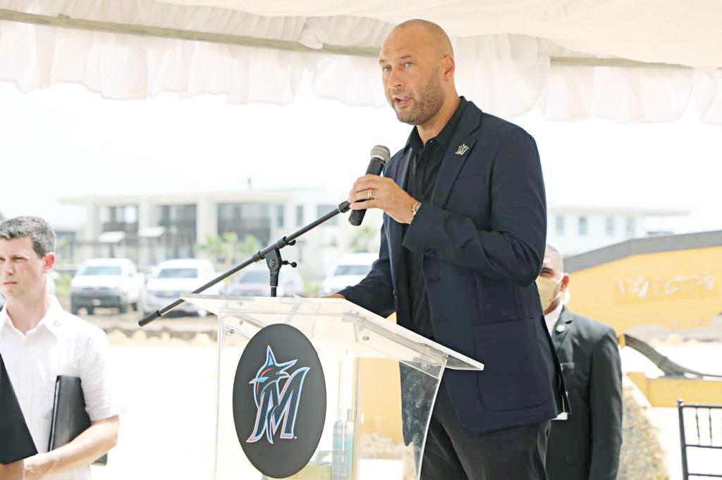 ex jugador de Grandes Ligas y miembro del Salón de la Fama, Derek Jeter