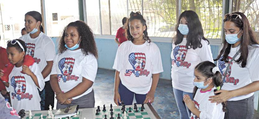 Fue realizado un torneo de ajedrez donde participaron veinte y cuatro jóvenes con edades de 7 a 14 años en el local del Club Máximo Gómez.
