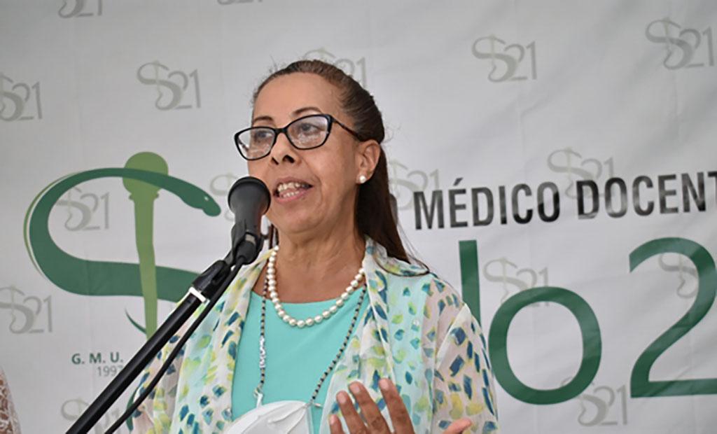 Doctora Lourdes Rivas de Mena, coordinadora de laboratorio del Centro Médico Docente Siglo 21