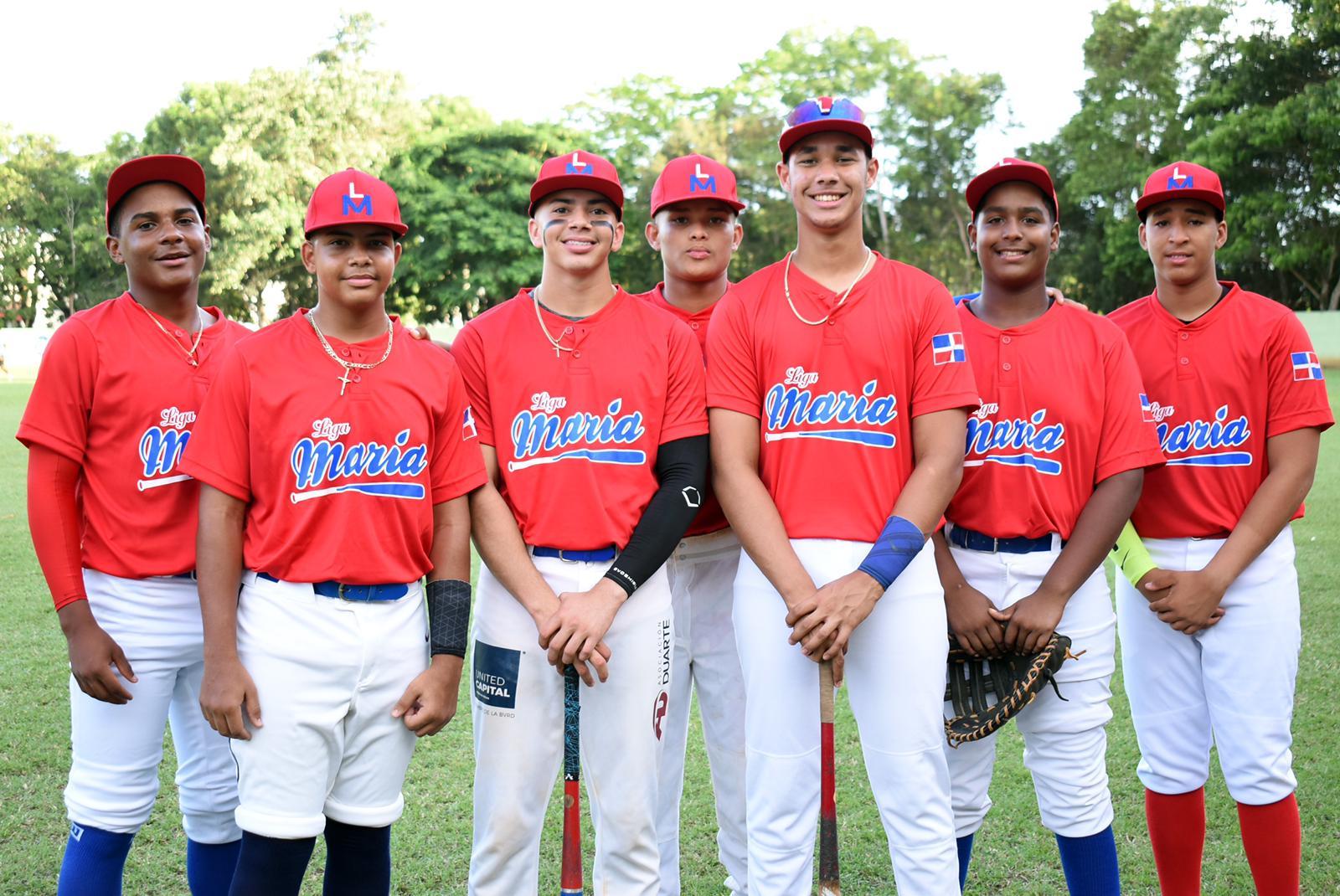 Liga María de SFM viaja a Boston para intercambio deportivo de béisbol