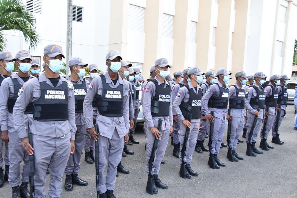 Entrega camionetas, motocicletas, más de 100 policías e instalarán 125 cámaras de vigilanciade 100 policías e instalarán 125 cámaras de vigilancia
