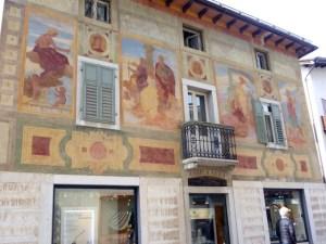 Fassadenmalerei Cortina