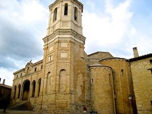 pyrenaeen-roda-kathedrale-ganz