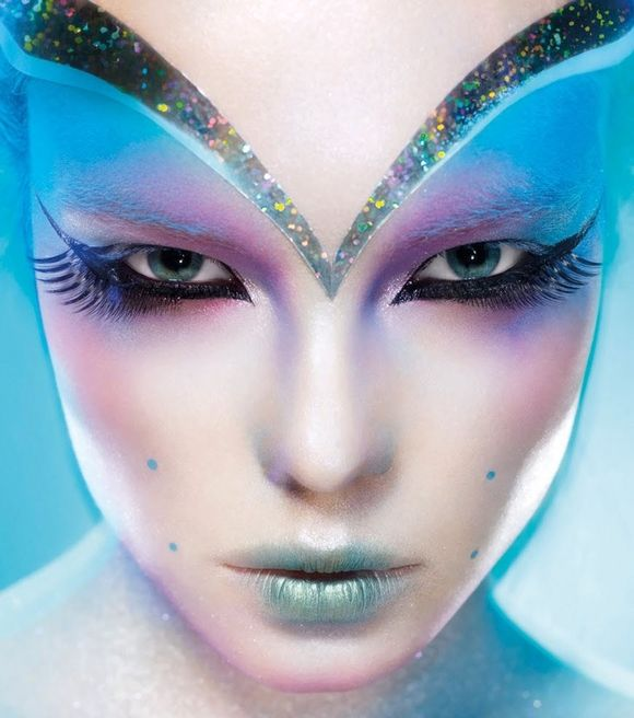 Beautiful Halloween Makeup Ideas 21