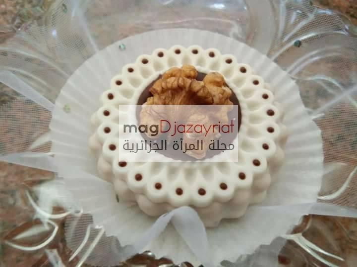 حلويات جزائرية ;صابلي بالجوزة واللوز والشكلاطة السوداء والبيضاء
