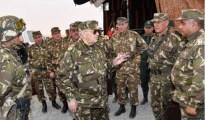 Gaïd Salah appelle à une «surveillance rigoureuse» des frontières 23