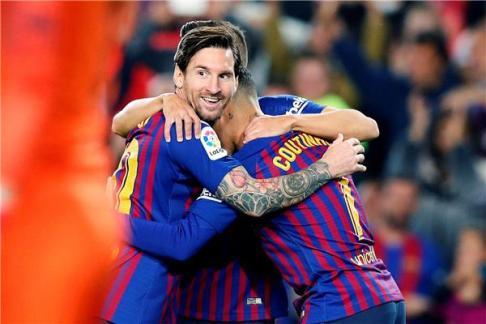 برشلونة يخطف ريادة ترتيب الليغا بعد الفوز على إشبيلية 24