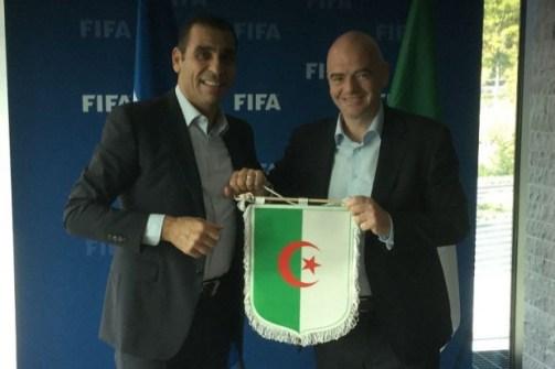 """زطشي يكشف سبب تأخر زيارة """"إنفانتينو"""" و""""أحمد أحمد"""" إلى الجزائر !! 24"""