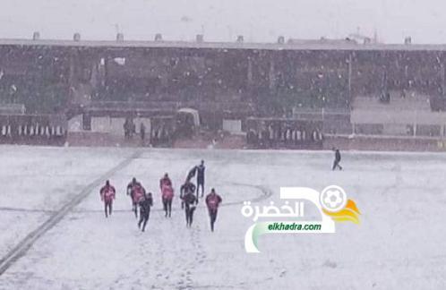 تأجيل مباراة وفاق سطيف وجمعية عين مليلة بسبب تراكم الثلوج 24