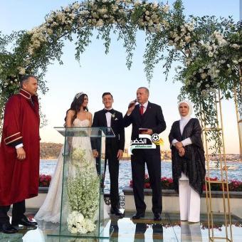 بالصور .. أردوغان يحضر حفل زواج اوزيل وملكة جمال تركيا أمينة جولشن 24