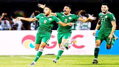 ملخص مباراة الجزائر والسنغال - 1 - 0 جنون حفيظ دراجي وهدف عالمي 31