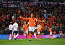 هولندا تقصف إنجلترا لتواجه البرتغال في نهائي دوري الأمم 50