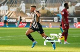 فريد الملالي هداف ضد ميتز ويقود أنجيه لصدارة الدوري الفرنسي 28
