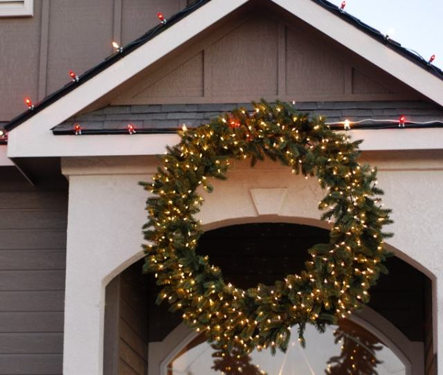 Balsam Hill Wreath With Chirstmas Lights