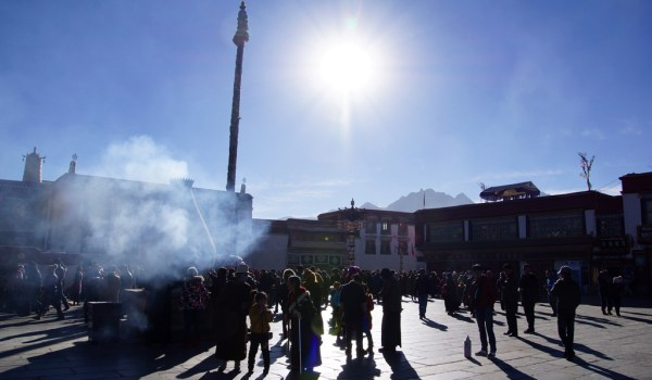 Lhasa: juniper burning at the Jokhang Temple