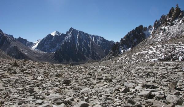 Day 2 of the kora: a bit of flat, rocky landscape after the descend from Drolma La (2010)