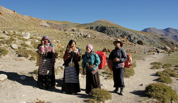 Day 3 of the kora: porters at (almost) the end of the kora (2010)