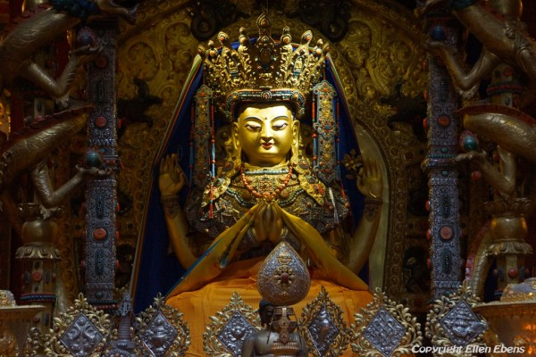 The famous statue of Avalokiteshvara at the monastery high above the town of Guanyinqiao