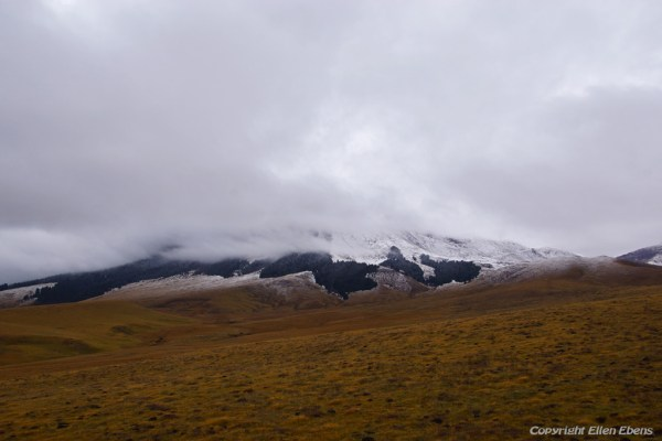 Driving from Zoige to Xiahe with fresh snow on the mountains