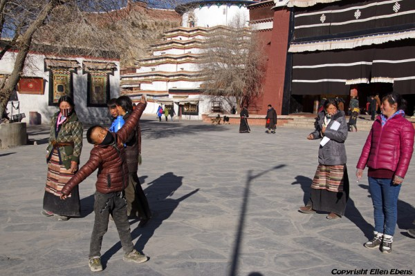 Pilgrims at the Pelkor Chöde Monastery