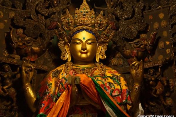 Statues at Shalu Monastery.