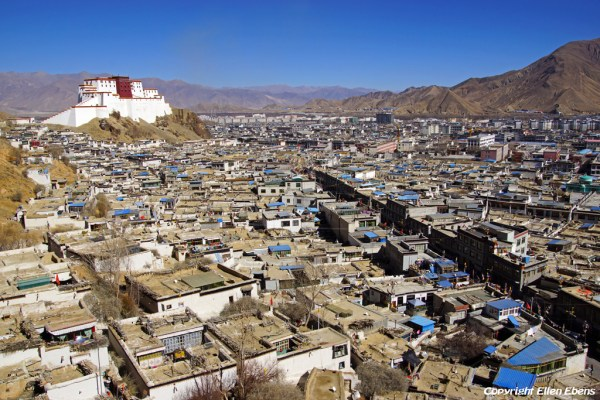 Tashilhunpo Monastery and looking down on the old Tibetan part of Shigatse and the Shigatse dzong