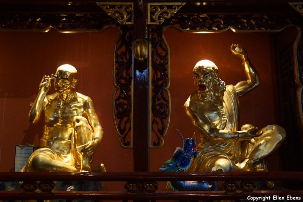Jizu Shan (Jizu Mountain), statues of arhats at the Jinding Temple