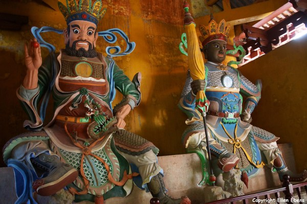 One of the many temple complexes on Jizu Shan, protector statues
