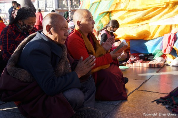 Lhasa, pilgrims in front of the Jokhang Temple.