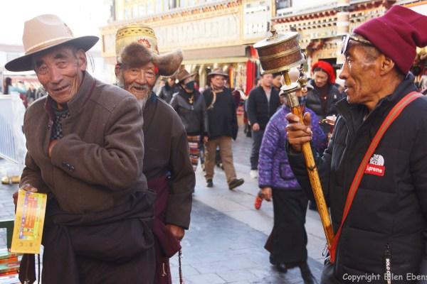 Lhasa, pilgrims on Barkhor Street