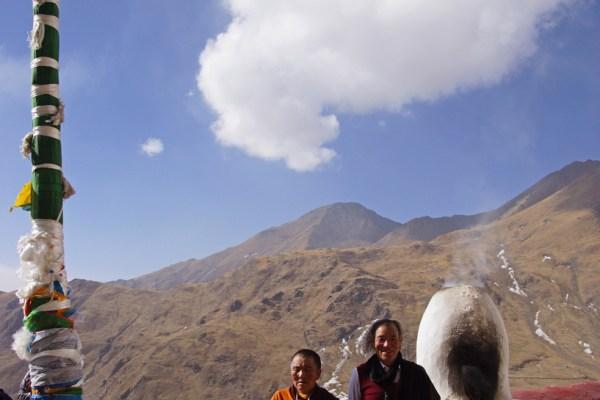 Pilgrims at Drak Yerpa Meditation Caves