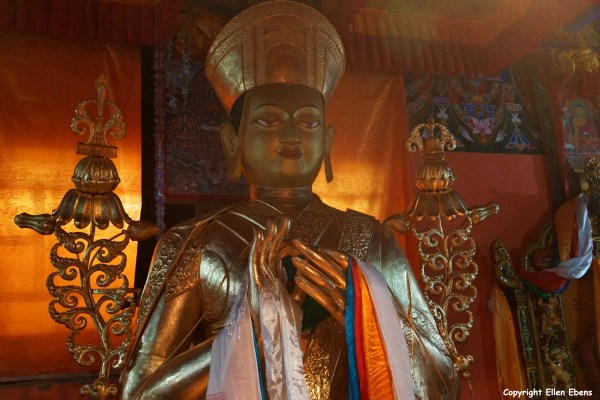 Statue inside Ralung Monastery