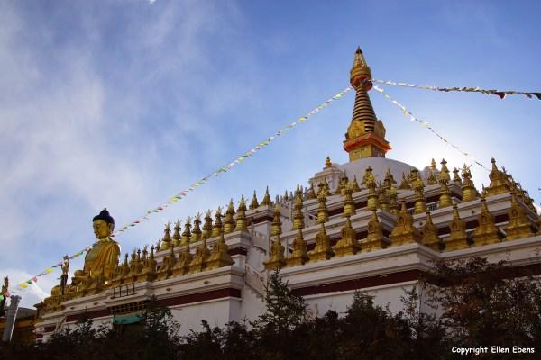Nangchen town Buddha statue stupa
