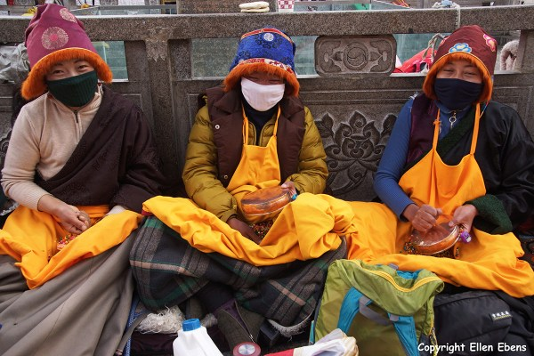 Jokhang Temple pilgrims